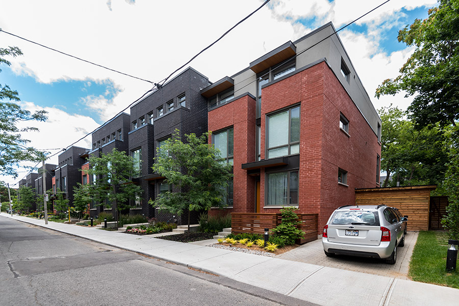 Howie Townhouses, Toronto